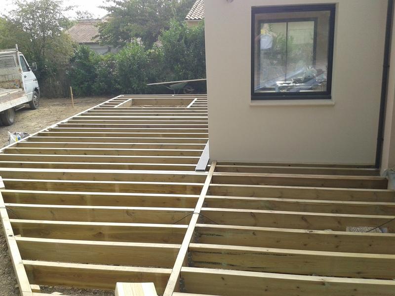 Terrasse en composite sur pilotis - Terrasse en composite gris ...