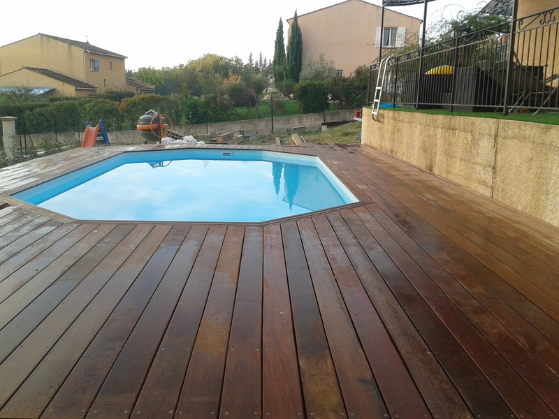 terrasse en bois composite sur pilotis terrasse bois en ip piscine hors sol. Black Bedroom Furniture Sets. Home Design Ideas