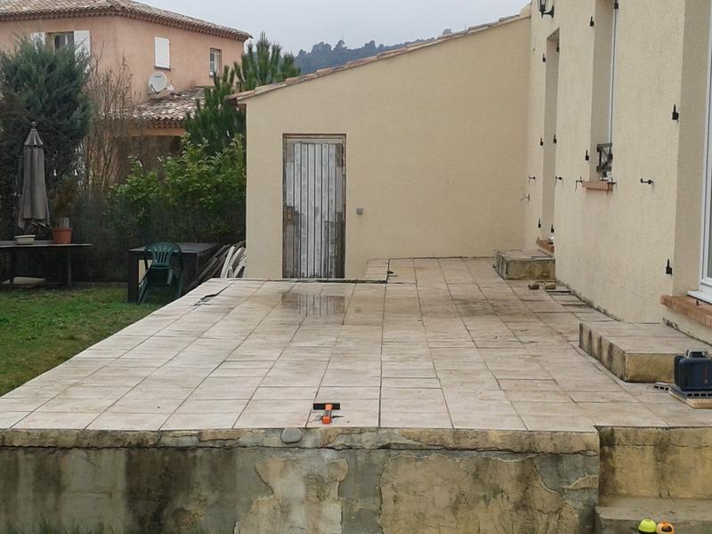 Superior Terrasse En Composite Couleur Gris Galet Avec Incorporation Du0027un Jaccuzi
