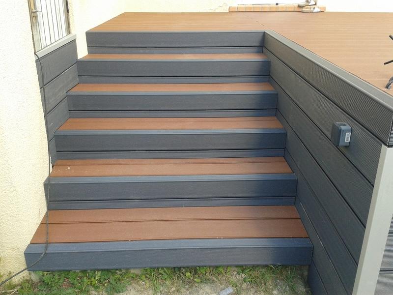 Terrasse En Composite Couleur Gris Galet Avec Incorporation Du0027un Jaccuzi