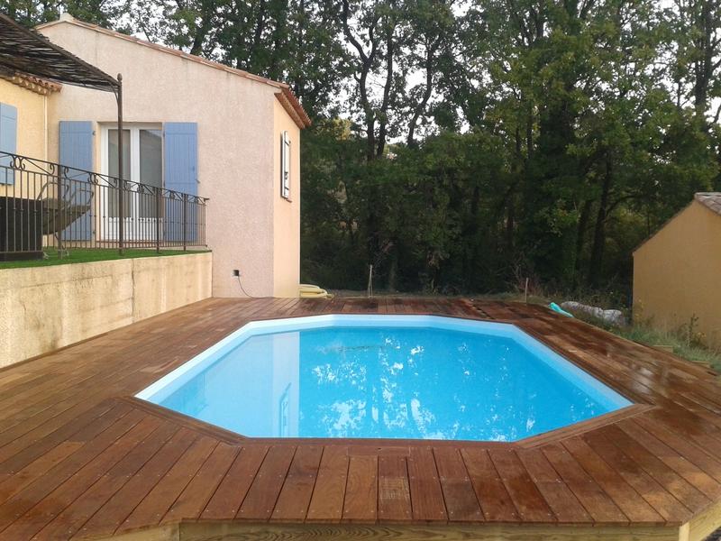 faire une terrasse autour d une piscine hors sol elegant amenagement autour d une piscine id es. Black Bedroom Furniture Sets. Home Design Ideas